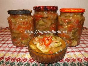 Простой и доступный рецепт салата из огурцов в домашних условиях.