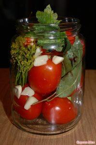 Консервирование томатов.