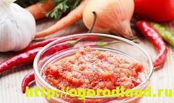 Горлодер из помидор с чесноком и болгарским перцем