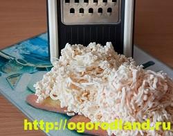 Печеночный рулет с начинкой из плавленного сыра