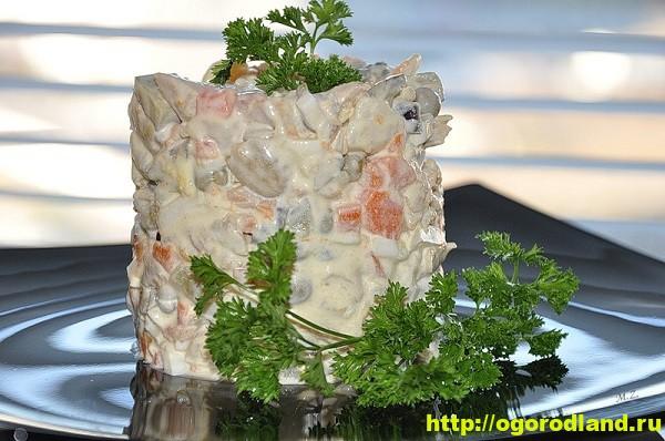 Салат «Оливье» диетический без майонеза с йогуртом и горчицей 1