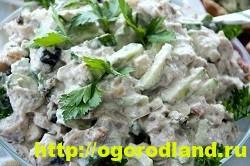 Салат с копченной курицей. Вкусные рецепты салатов 4