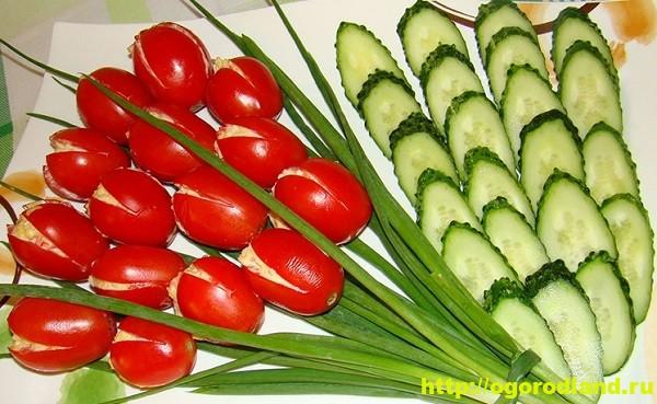 Салат-закуска «Тюльпаны» из фаршированных помидор