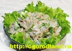 Салат с копченной курицей. Вкусные рецепты салатов 10