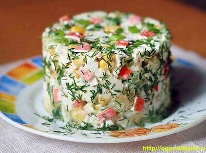 Салаты с крабовыми палочками. Рецепты праздничных салатов 3