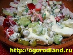 Салаты с крабовыми палочками. Рецепты праздничных салатов 5