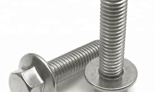 Стальной болт с шестигранной головкой- незаменимый материал для любой промышленности
